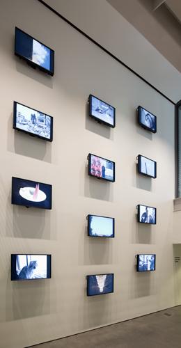 Ai Weiwei, 258 Fake, 2011. 7,677 photographs (2003–11), 12 monitors. Harvard Art Museums/Fogg Museum, Margaret Fisher Fund, 2014.9. © Ai Weiwei.