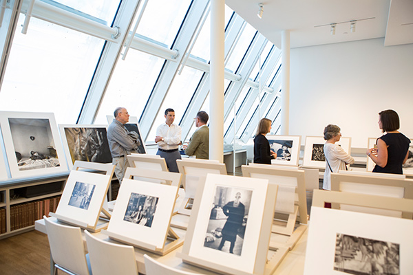 A workshop at the Art Study Center focused on the recent acquisition of the complete Schneider/Erdman Printer's Proof Collection. Photo: © Corinne Schippert.