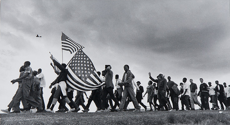 Matt Heron, The March from Selma to Montgomery, 1965, printed later. Gelatin silver print. Harvard Art Museums/Fogg Museum, Transfer from the Carpenter Center for the Visual Arts, Beinecke Fund, 2.2002.598.
