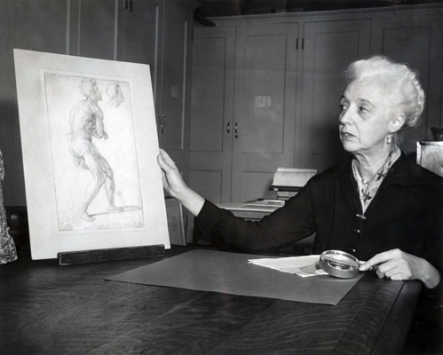 Agnes Mongan with drawing, 1955. Courtesy of the Harvard Art Museums Archives.