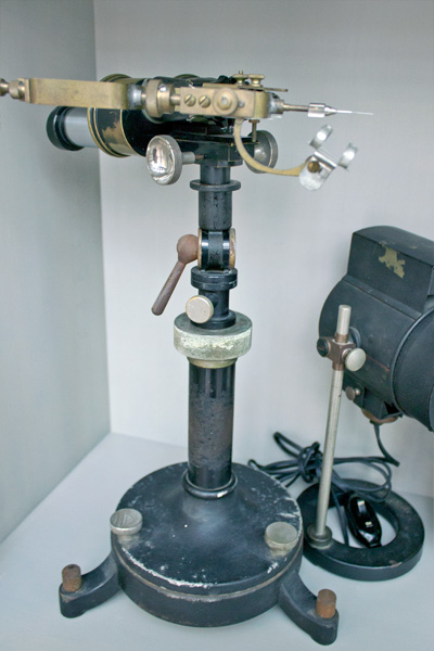 Gettens's microsampler is just one of the many historical instruments in the materials collection in the Straus Center for Conservation and Technical Studies.