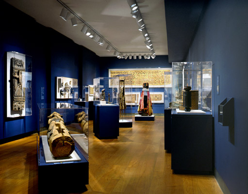 Marking Places: Spatial Effects of African Art, curated by Kristina Van Dyke, was the first collaborative exhibition between the Harvard Art Museums and the Peabody Museum.