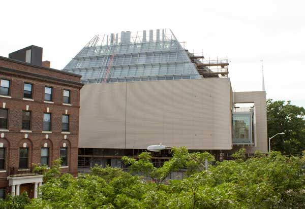 The Alaskan Yellow Cedar siding of the Harvard Art Museums renovation and expansion project. Photos: Zak Jensen.