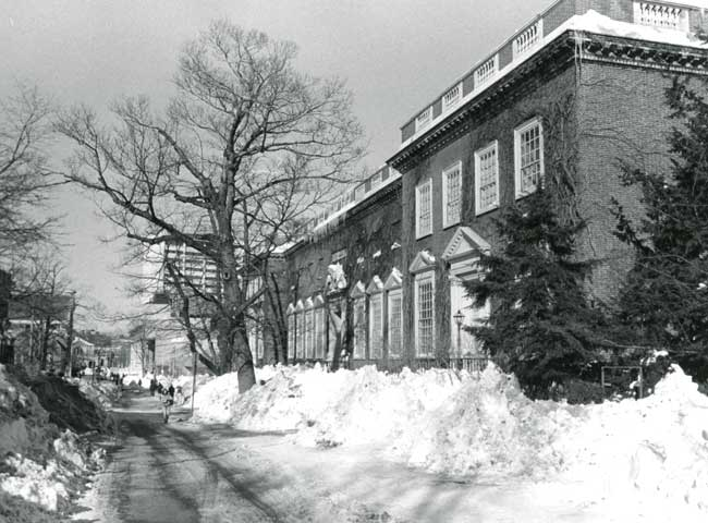 Harvard Art Museums' exterior with snow, February 1978. Photo: Courtesy Harvard Art Museums Archives.