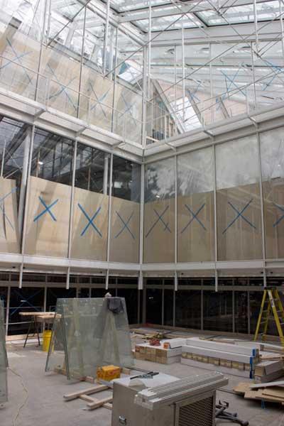 The upper reaches of the Harvard Art MuseumsLight Machine. Photos: ZakJensen.