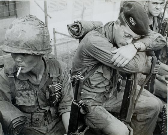 Gordon W. Gahan, Untitled (soldiers on patrol mission), 1967–68, Harvard Art Museums/Fogg Museum.