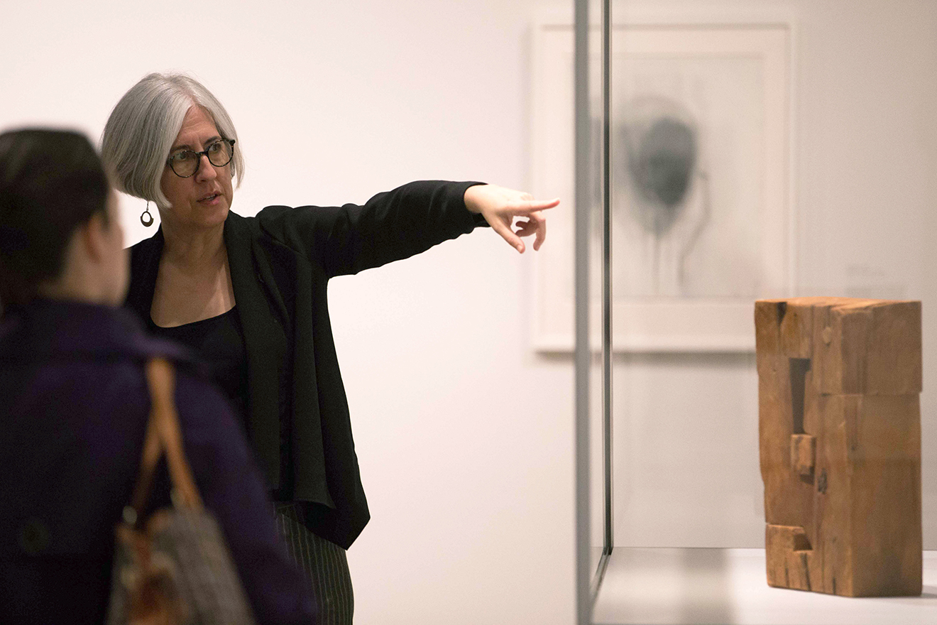 "Modern and contemporary art curator Sarah Kianovsky, who organized the exhibition, discusses Wilmarth's 1961 sculpture ""Structure (A Back)."""