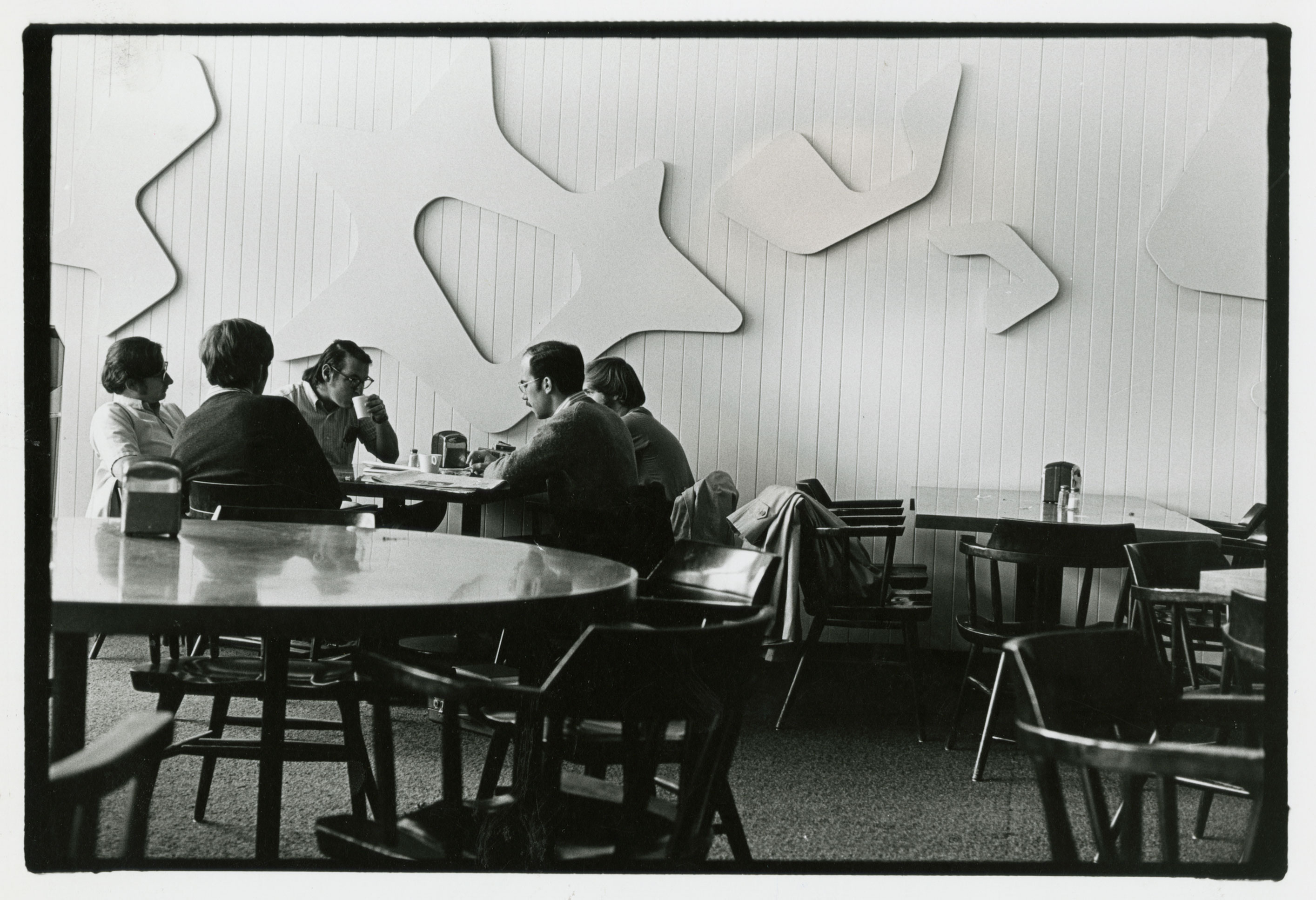 South wall of Constellations II, 1960s. Harvard Law School Buildings Collection, Special Collections, Harvard Law School Library, Harvard University. Note that both the panels and the supporting wall have been painted.