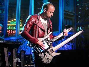 Muse's Chris Wolstenholme playing Kitara bass