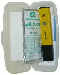 Milwaukee pH600 Tester w/1 Point Manual Calibration & Case