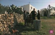 Verdura de temporada, cabrit enterrat i horts urbans