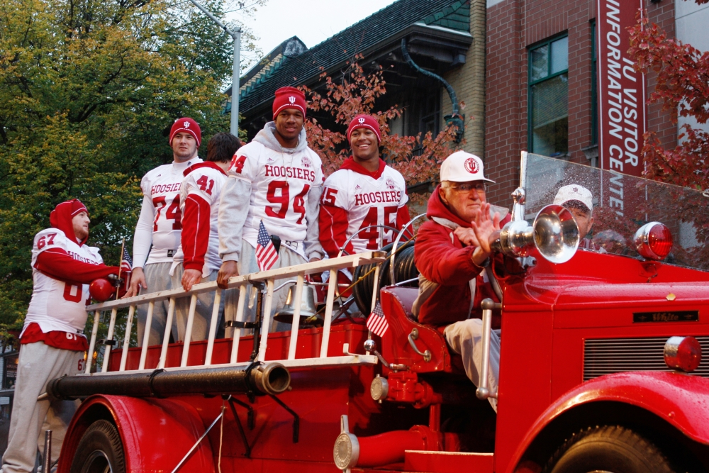 Students gear up for homecoming parade