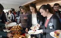 Students get free food at Move-in March on Monday morning at the School of Public and Environmental Affairs. Move-in March celebrated the opening of the new SPEA building.
