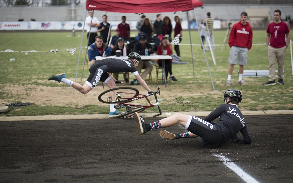 Men's Little 500 teams struggle with faults at ...