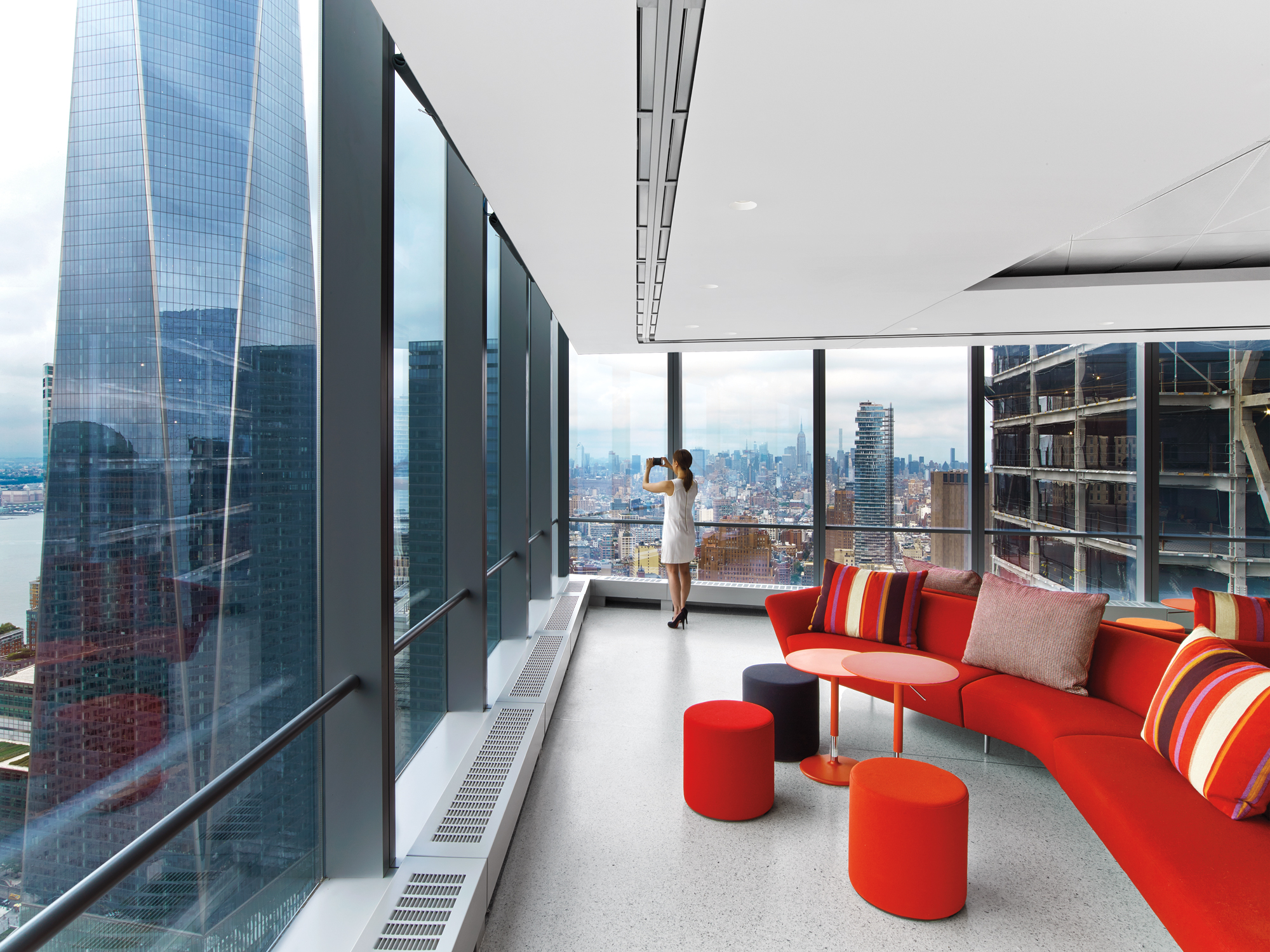 4 outstanding offices in the u s for Office interior projects