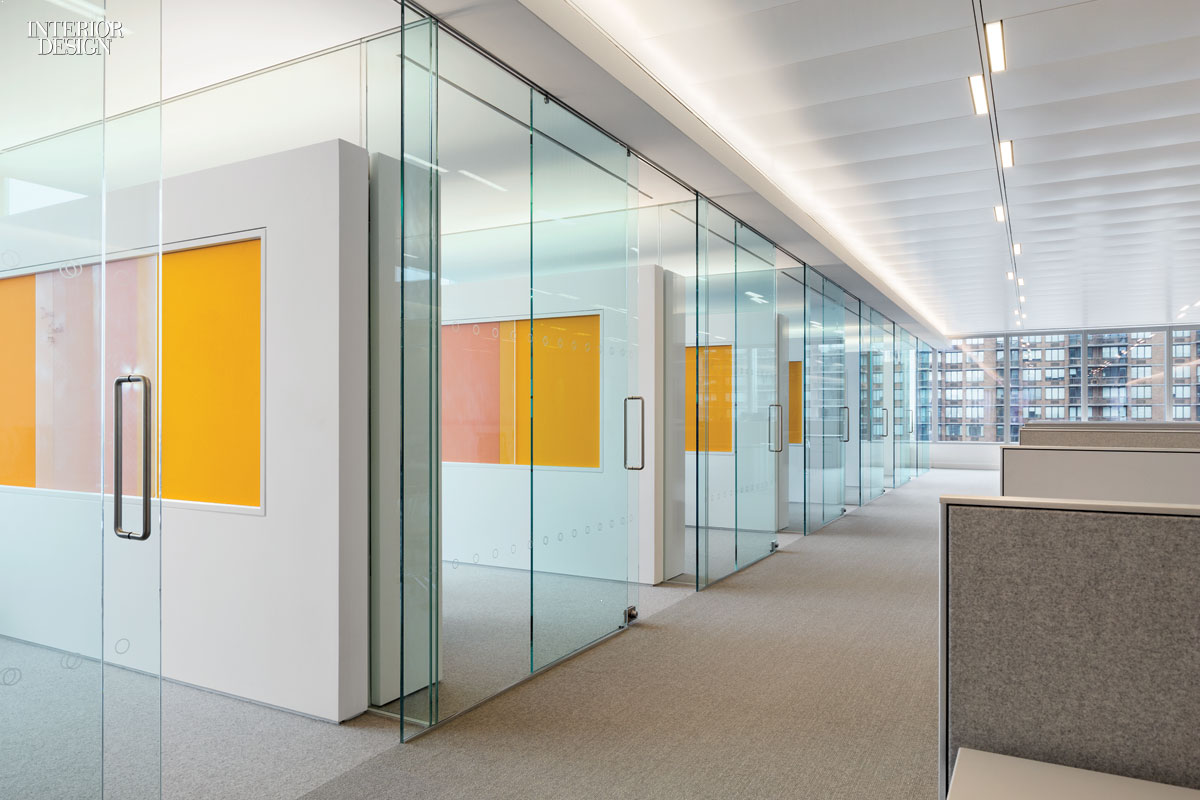 Manhattan office 2015 boy winner for large corporate office for Big office design