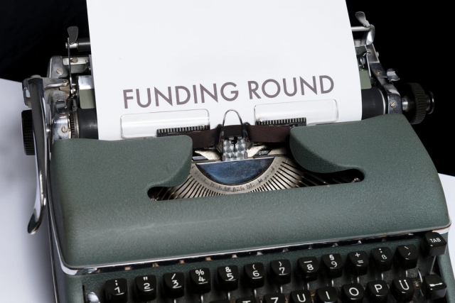 Founding Round investment photo-Markus Winkler Unsplash 1593510987760-2d895bc8109d