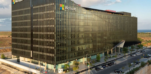 Microsoft _new_campus_outdoory._Amit_Geron