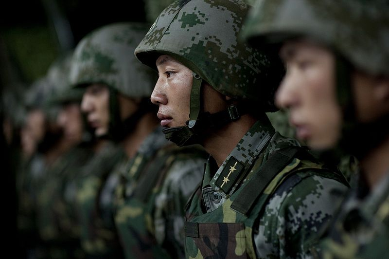 800px-China Army Soldiers_of_the_Chinese_People's_Liberation_Army_-_2011 commons.wikimedia