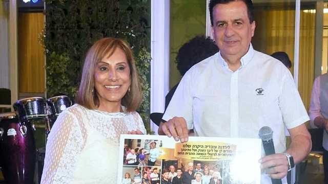 Yardena Ovadia together with the association's general manager, Shimon Sabag, credit to Yad Ezer for a friend