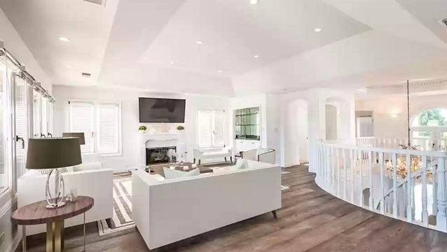 360 Hillcrest St Roseanne Barr Home Realtor.com interior