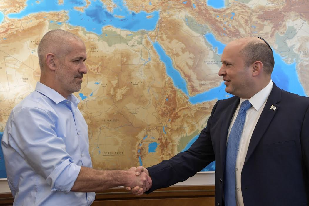 Bennett and Israeli Security Agency (ISA) Deputy Director Ronen Bar credit Koby Gideon (GPO)