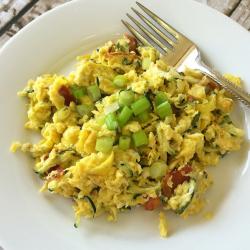 Scrambled Eggs with Grated Zucchini #Paleo
