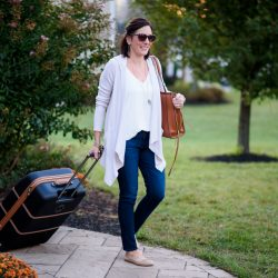 Neutral Fall Travel Outfit