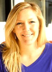 Emily Holdman headshot
