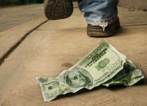 4 Common Money Mistakes Young Entrepreneurs Make When Starting Their Business