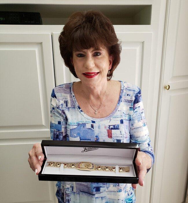 Sue Faber - WSOP Bracelet cropped - optmzd.jpg