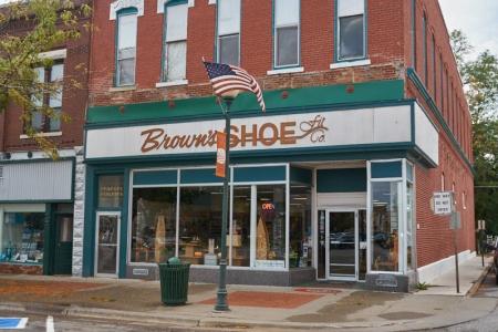 Brown's Shoe Fit Centerville