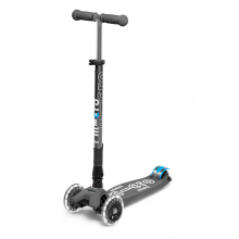 Maxi Deluxe Foldable LED by Micro Kickboard