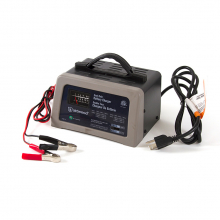 Battery Charger 12 / 6 Volt by Hobie