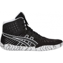 Men's Aggressor 4 by ASICS in Oro Valley AZ