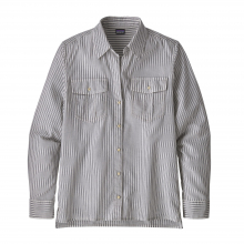Women's LW A/C Buttondown by Patagonia in Sioux Falls SD