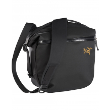 Arro 8 Shoulder Bag by Arc'teryx in 福岡市 福岡県