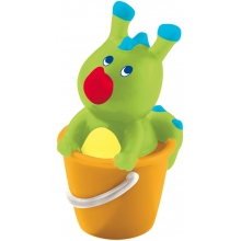 Bathing Bodo Dragon in a Bucket Squirter