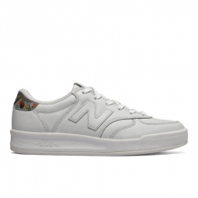 300 Leather Women's Court Classics Shoes by New Balance in Mystic Ct