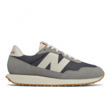 237 Men's Lifestyle Shoes by New Balance in Le Chesnay France