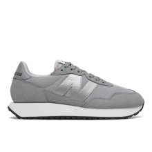 237 Women's Lifestyle Shoes by New Balance in Le Chesnay France
