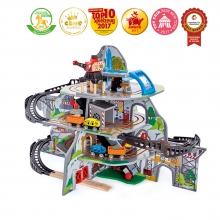 Mighty Mountain Mine by Hape