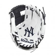 "A200 New York Yankees 10"" Tee Ball Glove - Right Hand Throw by Wilson"
