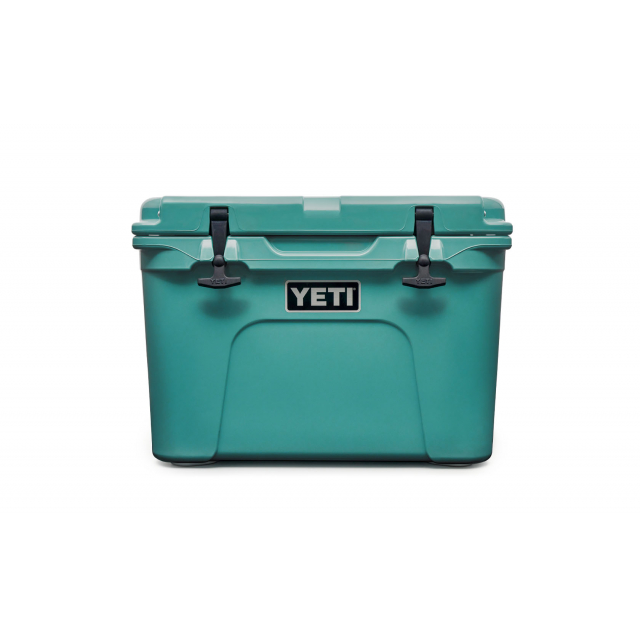YETI - Tundra 35 Hard Cooler - Aquifer Blue in Baldwin MI