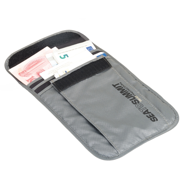Sea to Summit - Travelling Light Neck Pouch RFID