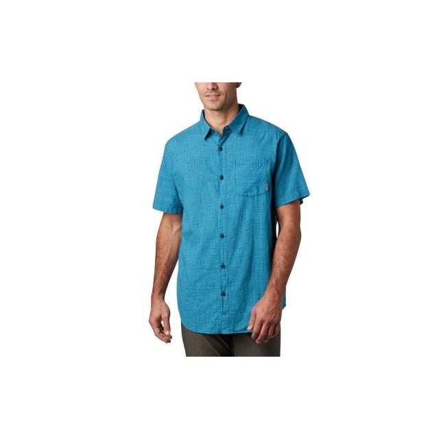 Columbia - Men's Under Exposure Yd Short Sleeve Shirt in Chelan WA