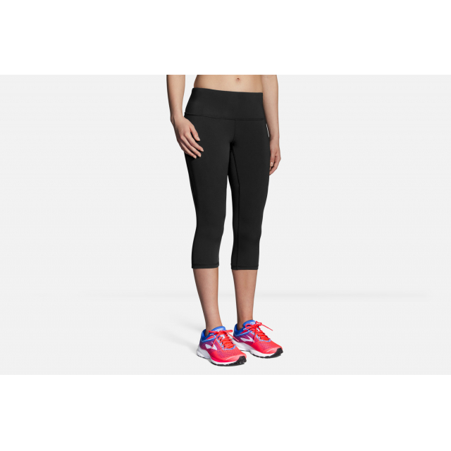 Brooks Running - Women's Go-To Capri in Squamish BC