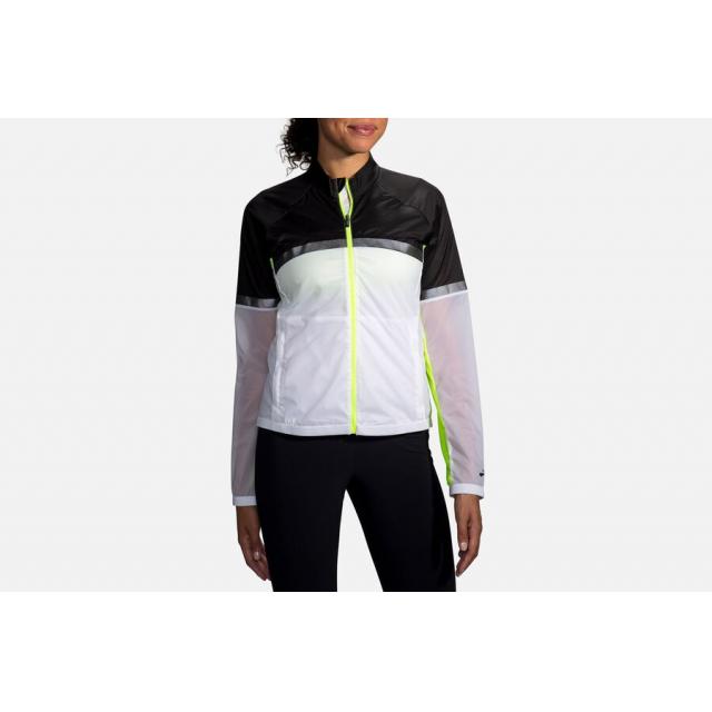 Brooks Running - Women's Carbonite Jacket in Lancaster PA