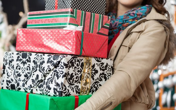 Robust Holiday Shopping Projected
