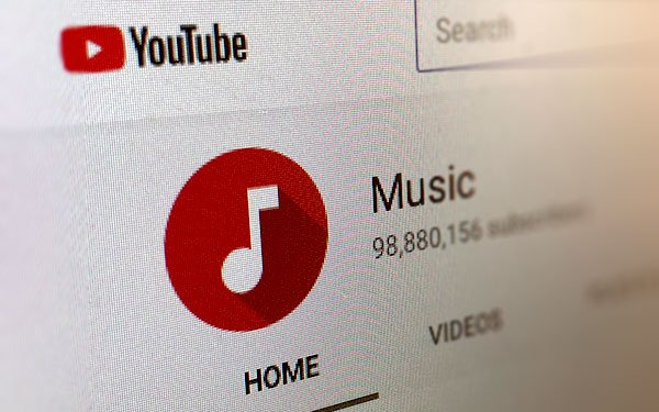 YouTube signs long-term agreements with Universal and Sony